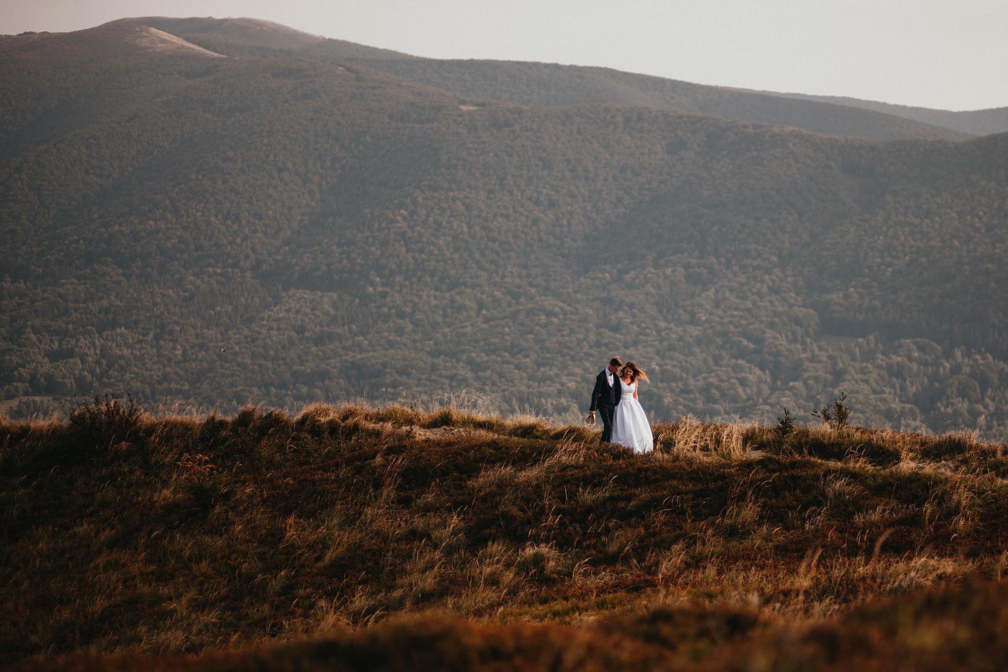 Fotograf ślubny, fotografia ślubna, plener ślubny w górach, Bieszczady
