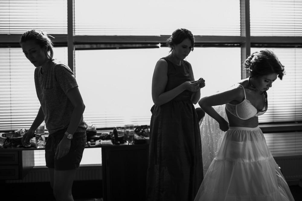 Panna młoda, suknia ślubna, fotografia ślubna